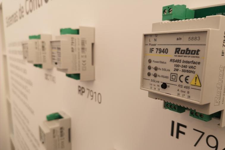Communication interface IF7940, standard Modbus RTU